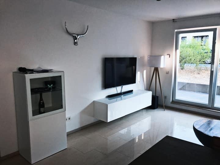 3-Zimmer + Terrasse am Unterbacher See