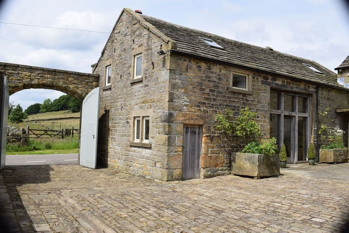 Beautiful Barn surrounded by open countryside