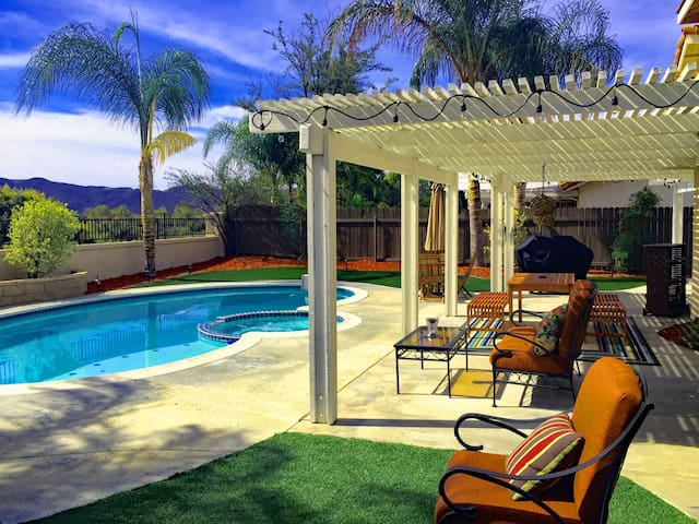 Gorgeous Amwood VacationHome WineCountry Pool/Spa
