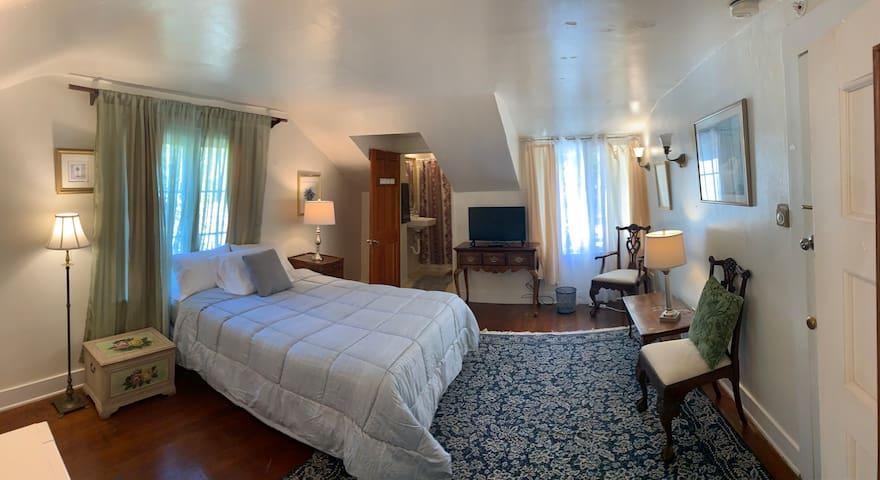 Montecito Estate pvt rm/bath w cleans&cont. brkfst