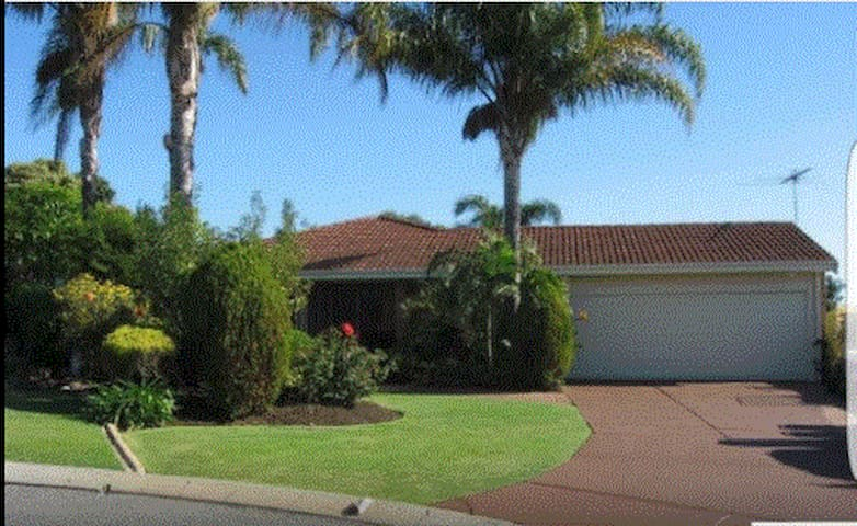 Relaxing and quiet home close to CBD / Fremantle