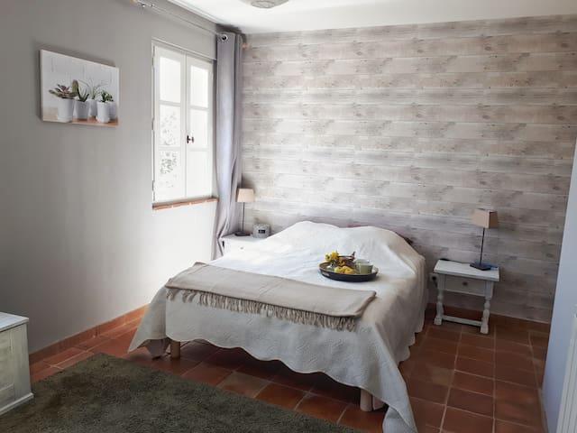 Chambre olive