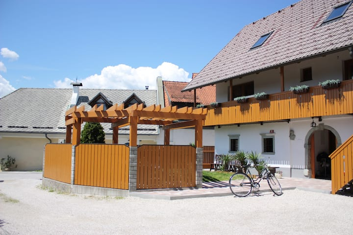 Noah Apartment