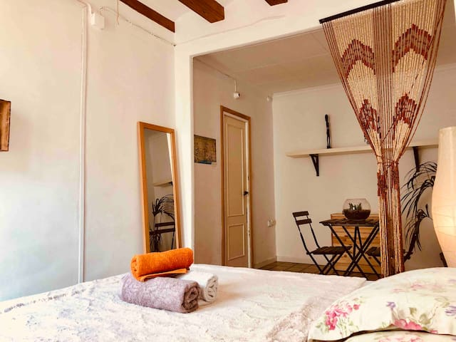 Private Double Room in BCN Centre!!