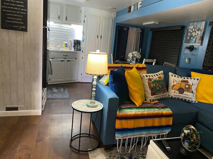 Cute Country living RV Tiny Home/Snowbird