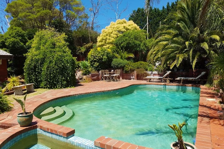Private Retreat with Pool & Tennis Court - Mount Eliza - Hus