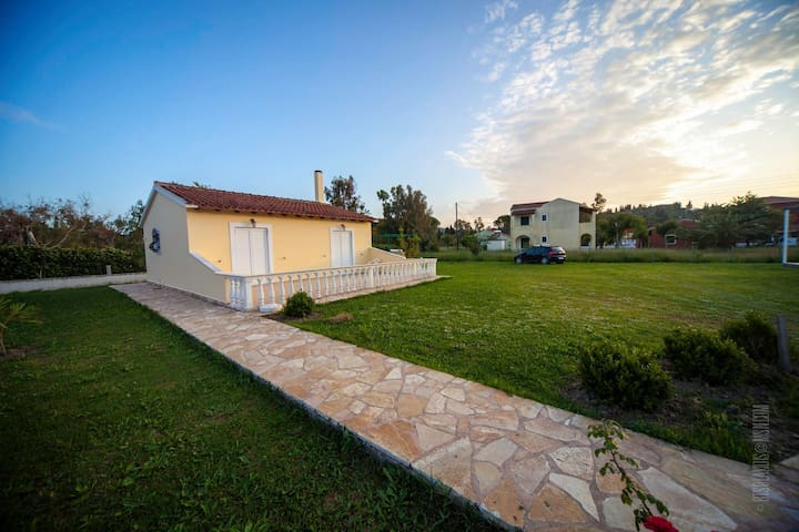 Great 2 bedroom house by the beach. SIDARI, CORFU