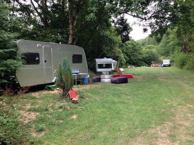 Silver Fields & Stables Pure Camping (Silver Uno)