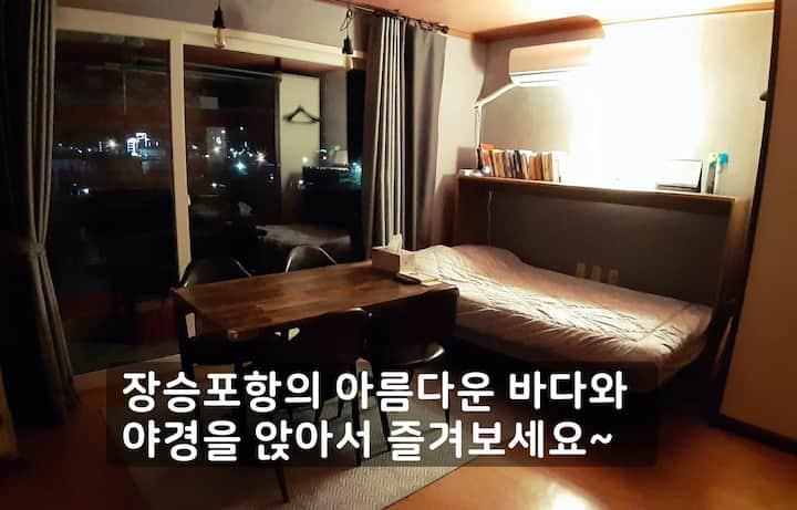 J 홈카페;방에서 즐기는 카페;사생활 보장; 비대면 서비스;한달살기;원룸형(Studio)