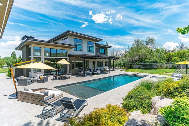 Backyard- Inground pool and hottub