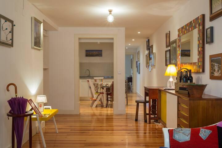 Top Location!Cosy apt downtown,Bairro Alto/Chiado! - Lisboa - Appartement