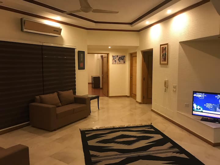 Very Clean Upper portion of House DHA phase 4