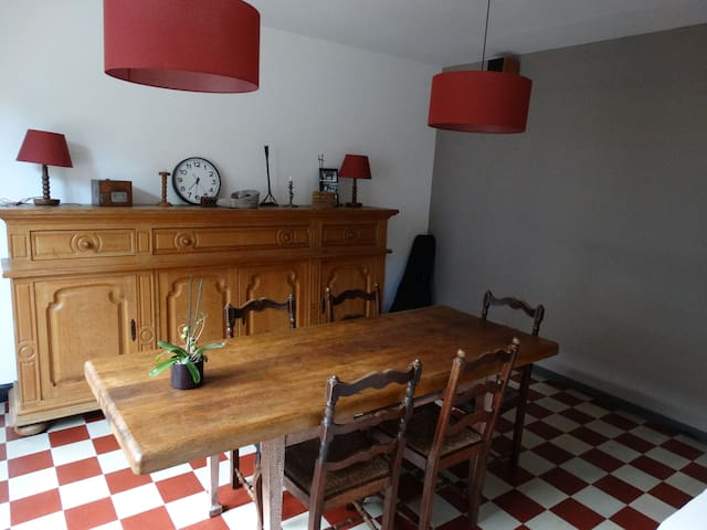 Maison dans ancien corps de ferme - Tournai - Casa