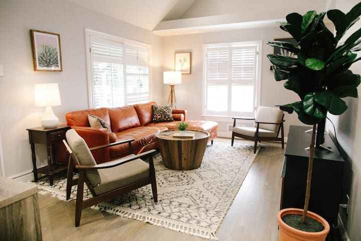 Chill, Relax or Create in this Dallas Home