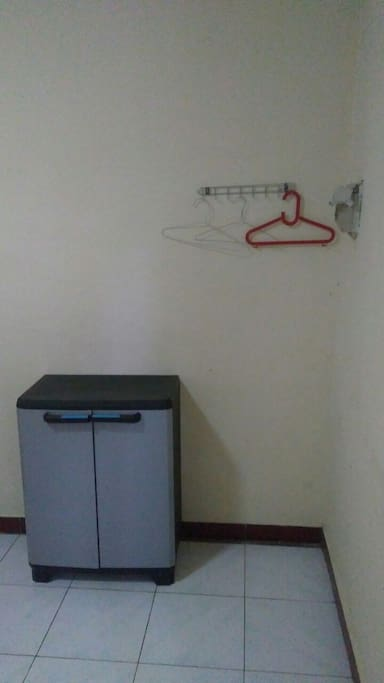 Drawer and Hanger
