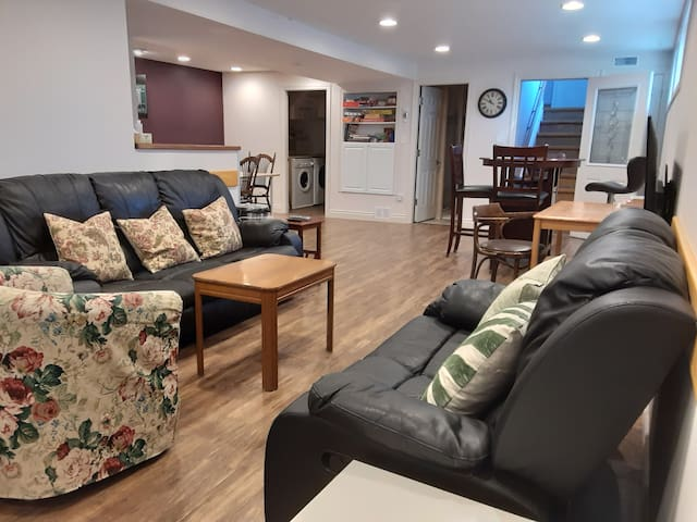 Open concept apartment, close to downtown.