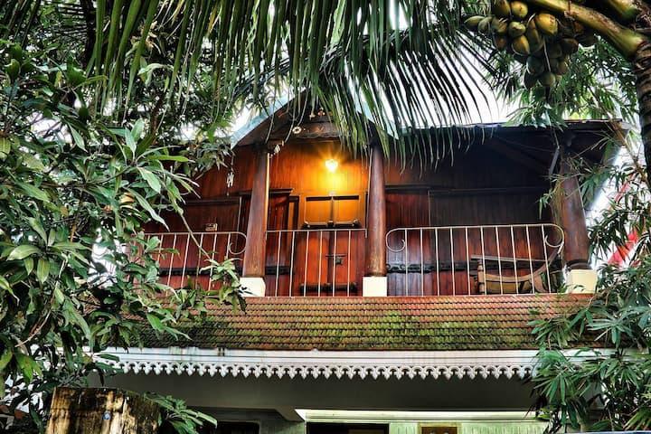 Adams Wood House - homestay near fort kochi