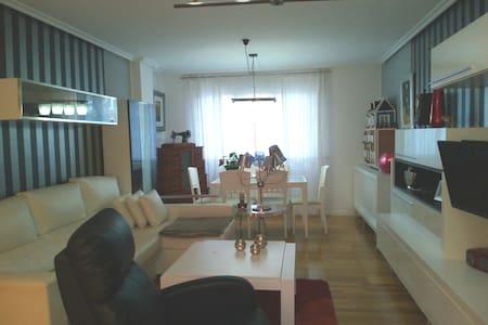 PISO AL LADO DE LA CATEDRAL, alquiler habitacion