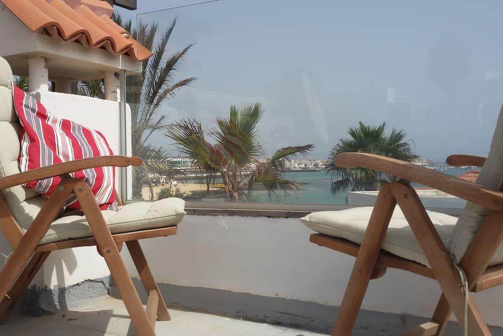 Dachterrasse mit Blick auf den Strand von Corralejo