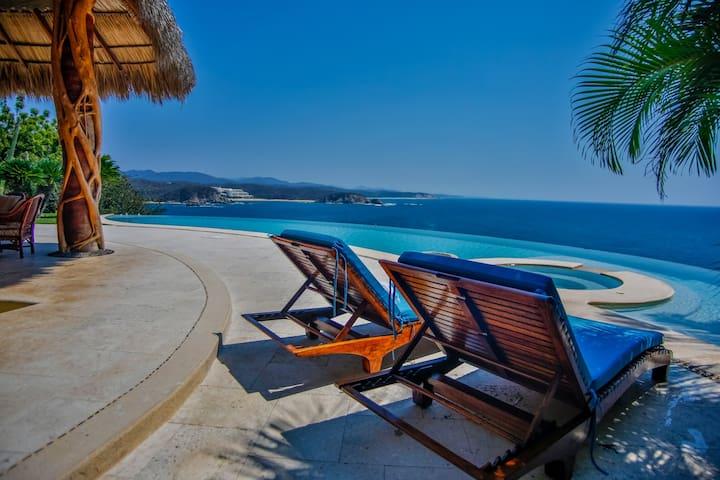 Villa BeCool! Luxury Ocean Front + Infinity Pool!