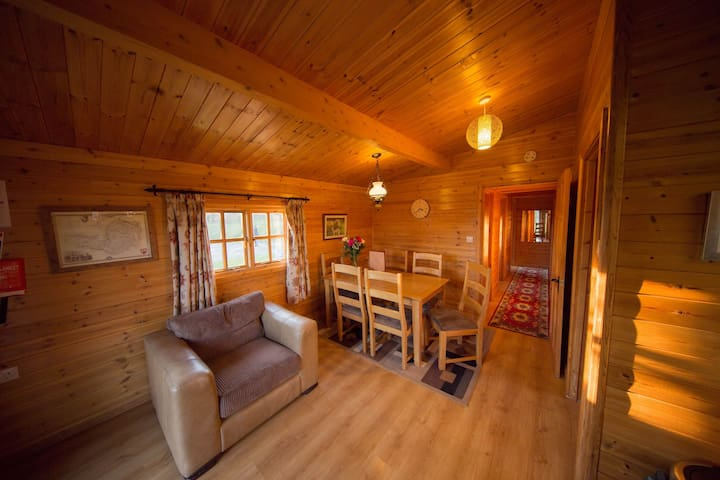 Badgers Rest Log Cabin