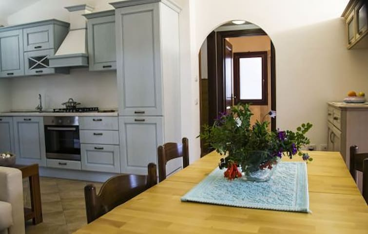VILLA LAGUNA - Porto Taverna - Huis