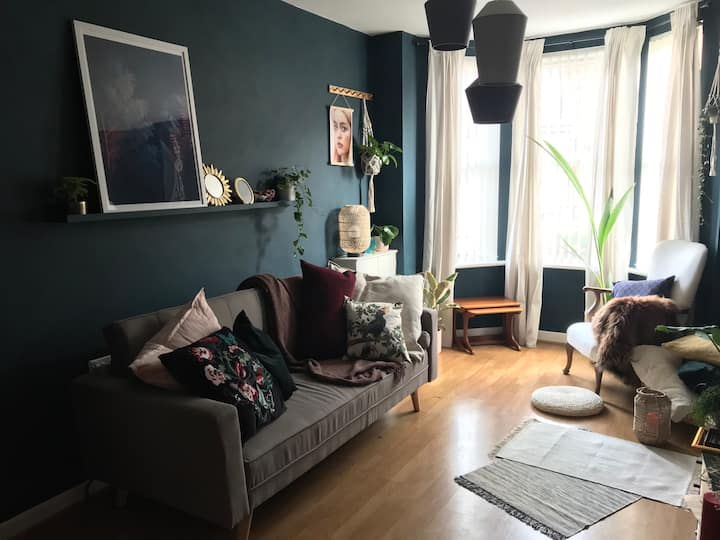 Cosy home close to city centre, netflix+WiFi