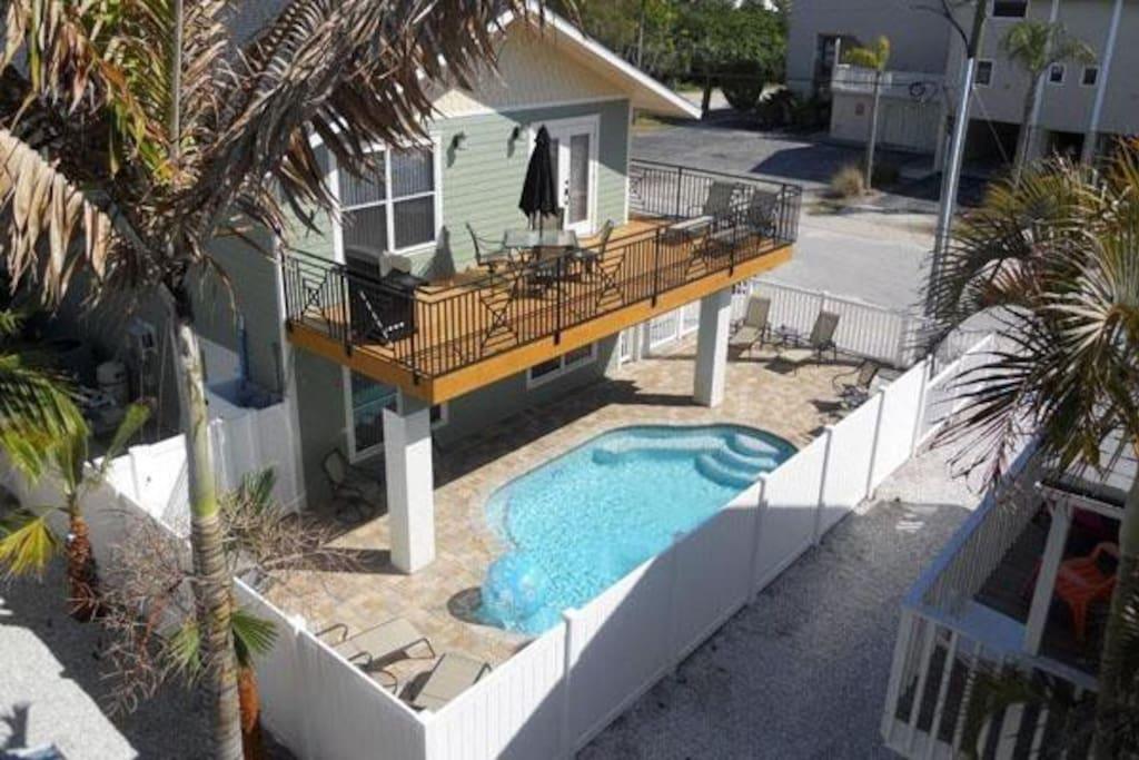 Castnetter Beach Resort 5 - Image 1
