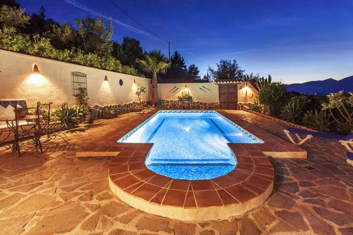 LOAISA - Holiday villa for 8 people in a quiet residential area in Benissa