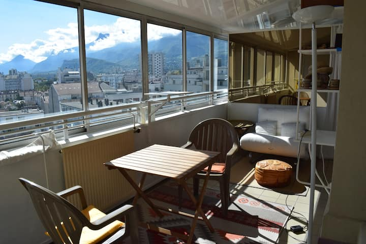 Grenoble, appartement panoramique et garage