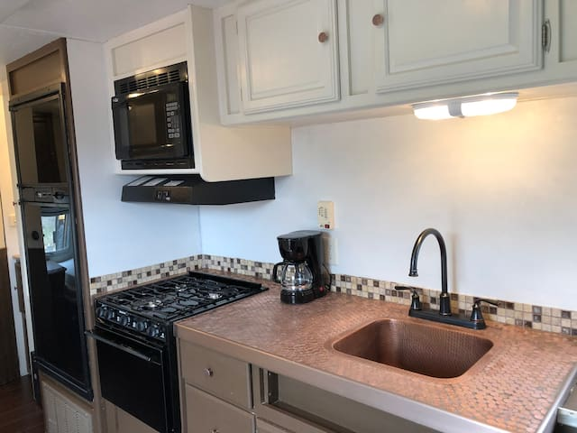 Copper House BnB - A Completely Renovated Camper