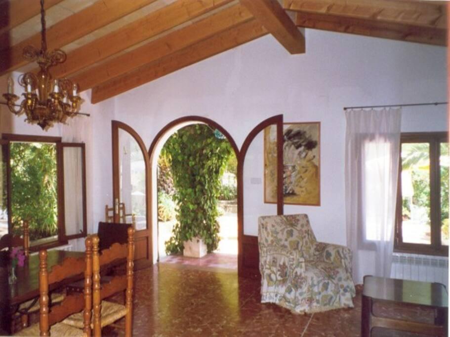 Salon mit Blick auf Terrasse