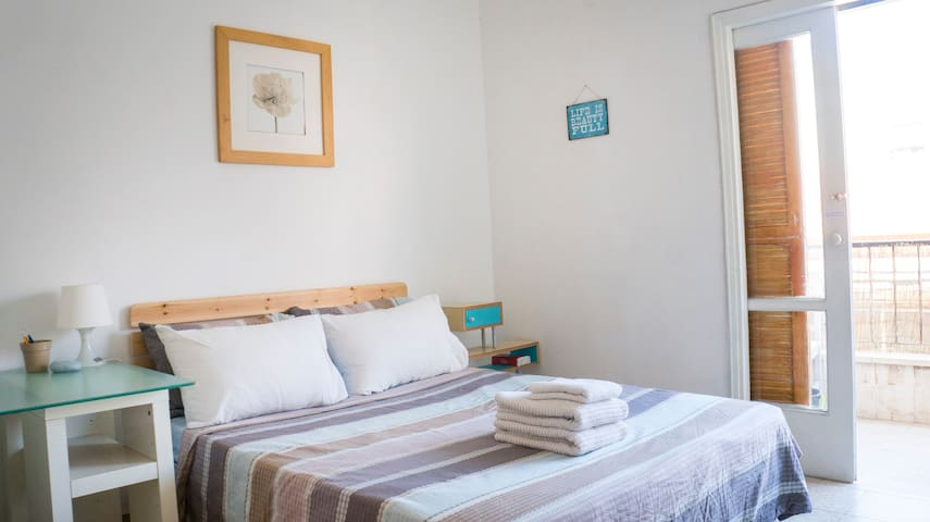 ⭐️ Private Balcony Room ☆ 1Min to Lewinsky market