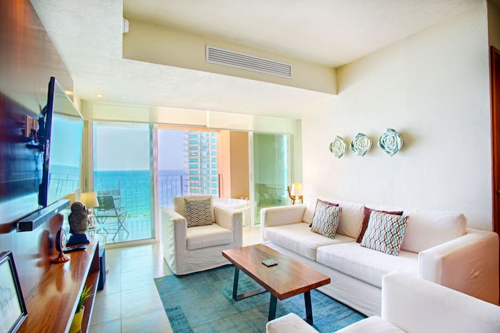 Bright and Breezy Ocean View Condo | Infinity Pools, Gym, Tennis Court