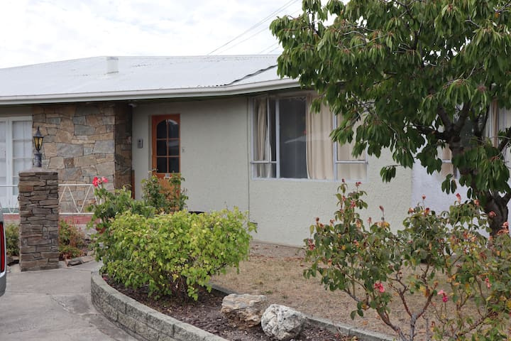 Holiday Home Bed & Breakfast Fully Serviced