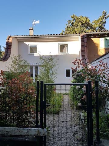 Maisonnette type duplex avec jardin - Castres - Haus
