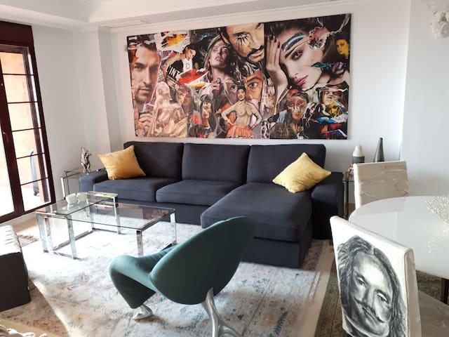 Luxurious apart 2 BDs + 2 Bath + FREE SPA & GOLF