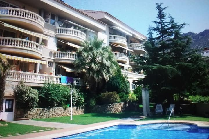 Beautiful 3 bedroom apartment with swimming pool