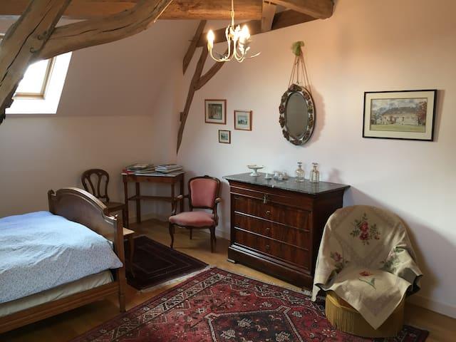 Chambre privée dans une maison de charme