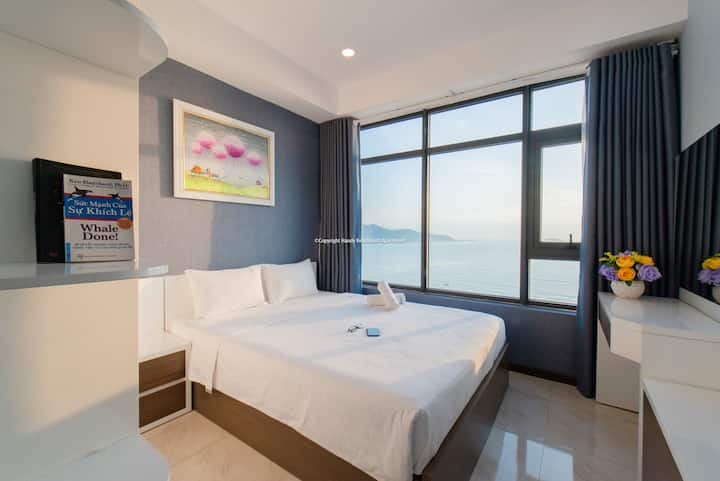 3 Bedroom OCEAN VIEW+BALCONY Seaview by handybeach