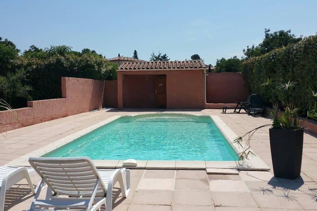 villa sud villas for rent in poulx occitanie france. Black Bedroom Furniture Sets. Home Design Ideas