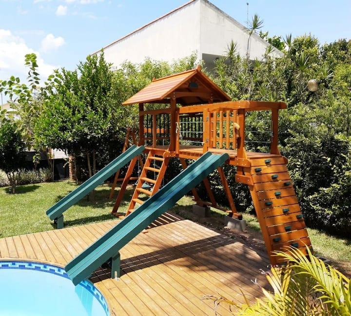 Casa,piscina e parquinho  praia Cachoeira/ Floripa