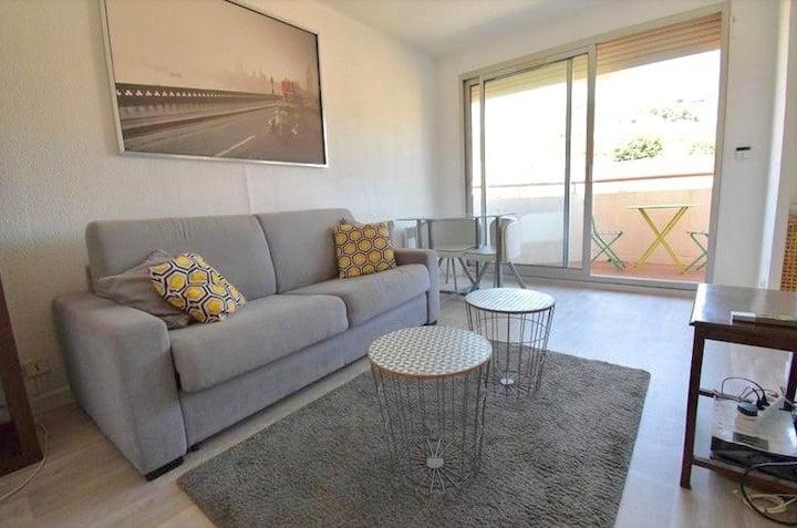 Appartement lumineux Côte d'Azur refait à neuf