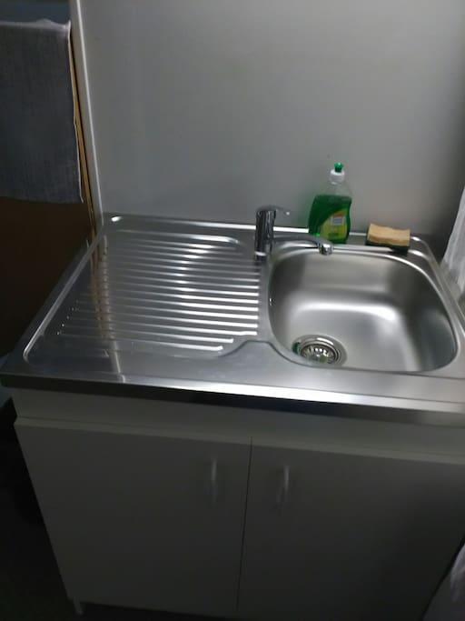 lavabo avec égouttoir
