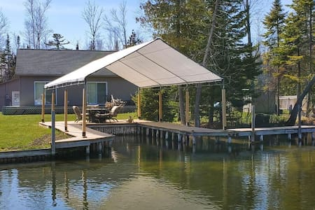 Waterfront Cottage with Covered Boat Slip