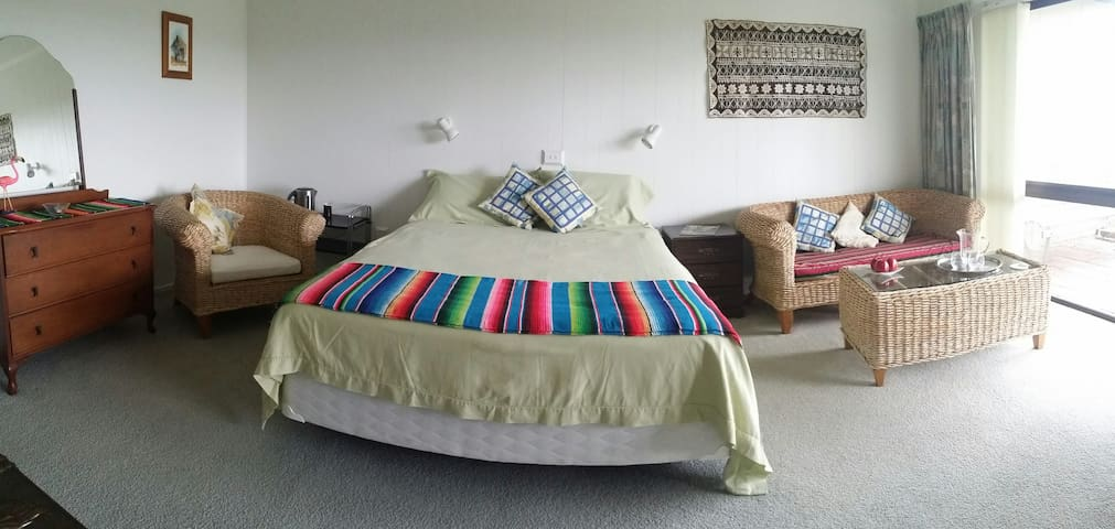 Whangaparaoa Beach Escape: Manly - Whangaparaoa - Bed & Breakfast