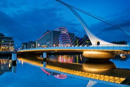 Trinity College City Centre Dublin Ireland. - ดับลิน - อพาร์ทเมนท์