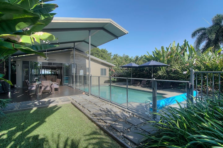 Coco Beach Villa - tropical beach paradise