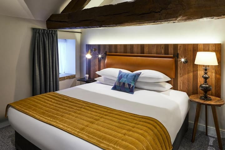 Essential Travel Only: Intimate Double Classic Double Bed At Sheffield