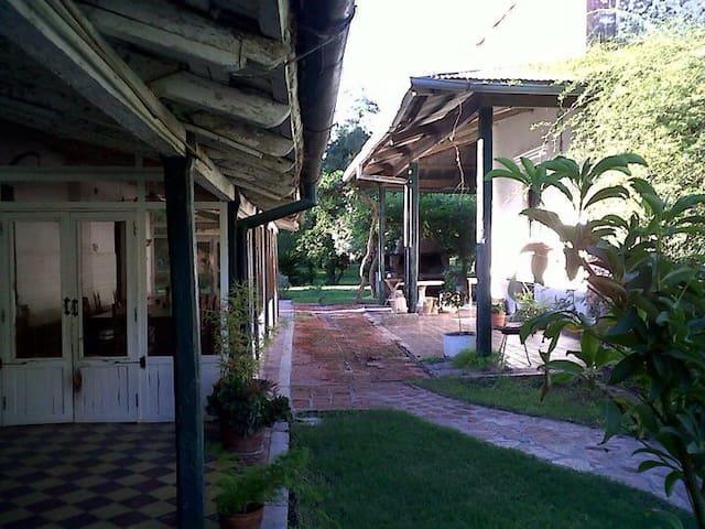 Casco de estancia antiguo - Santa María